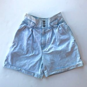 Vtg 80's High Rise Pleated Light Wash Jean Shorts